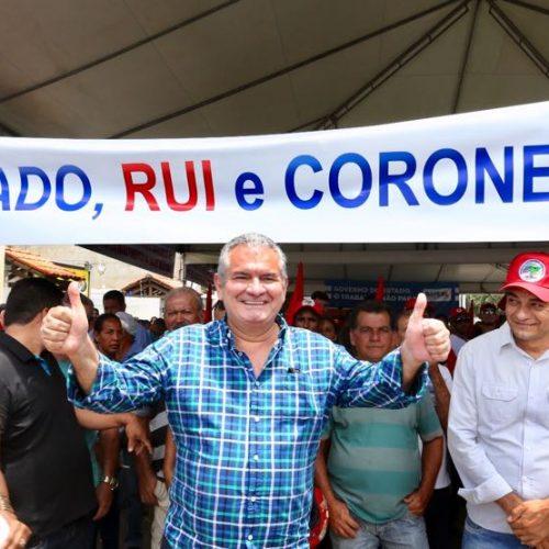Acompanhando Rui Costa, Coronel inaugura obras em Brumado