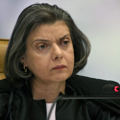 Cármen Lúcia despacha como presidente no Palácio do Planalto