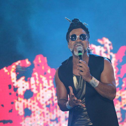 Percussões de Brown e da Timbalada vibram corações no Festival Virada Salvador; assista