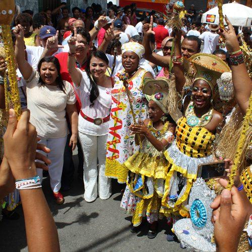 Lauro: Cortejo cultural leva tradição e alegria às ruas de Portão no terceiro dia da micareta