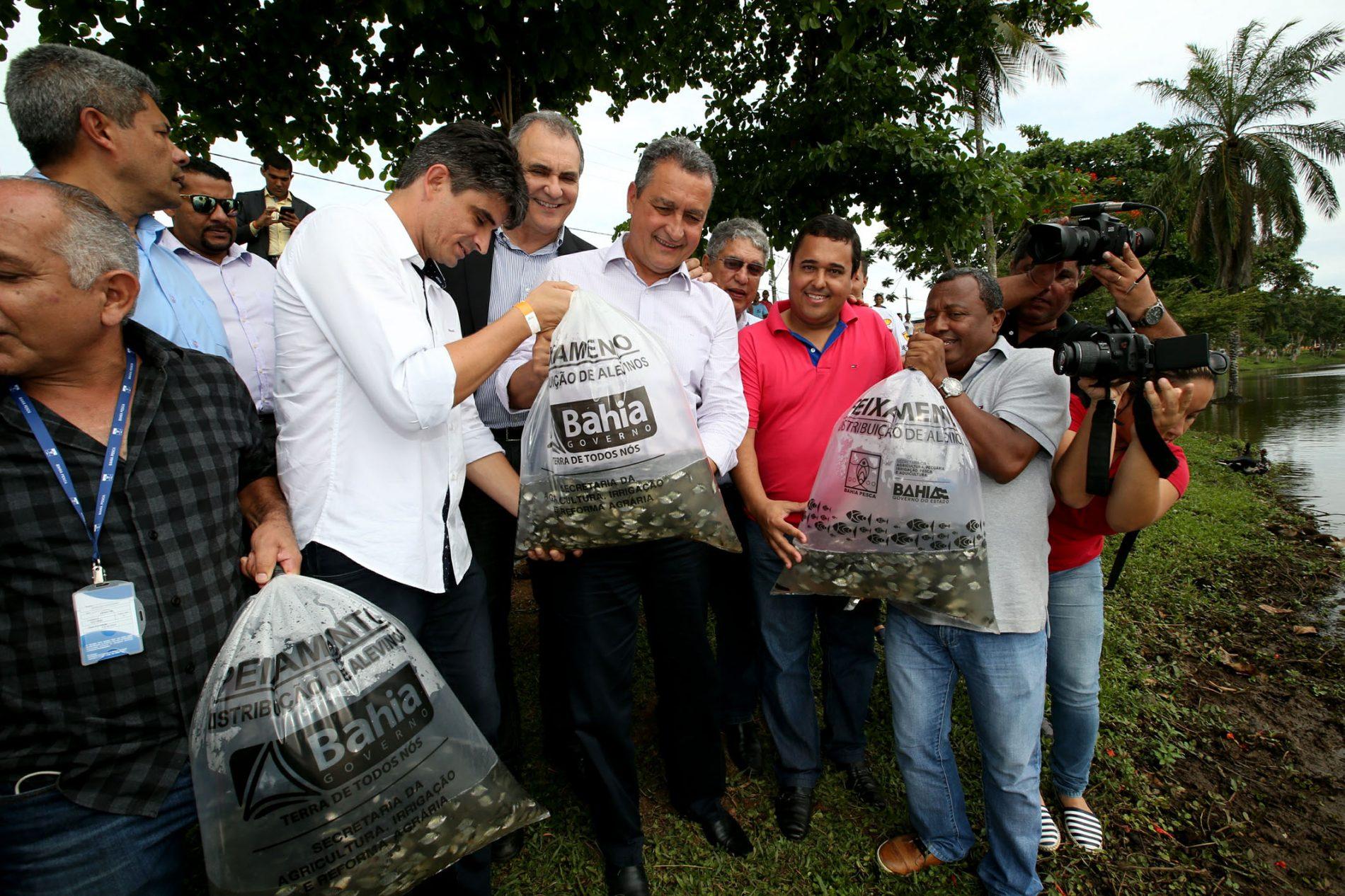 Rui anuncia construção de centro de canoagem em Itajuípe