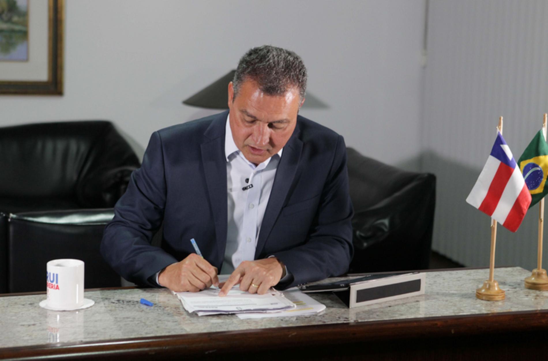 Rui Costa autoriza concurso público para auditor fiscal da Fazenda do Estado