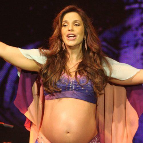 Ivete faz último show antes da licença maternidade na virada em Salvador