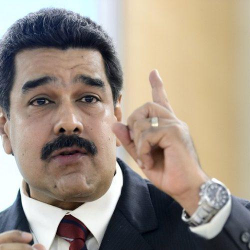 Maduro expulsa representantes dos EUA em resposta a sanções de Trump