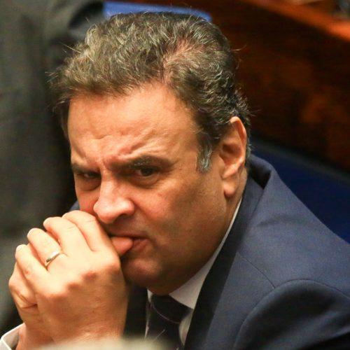 PSDB planeja esconder Aécio na convenção do partido