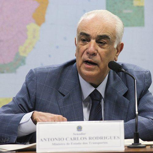 Presidente do PR, Antônio Carlos Rodrigues, deixa a cadeia