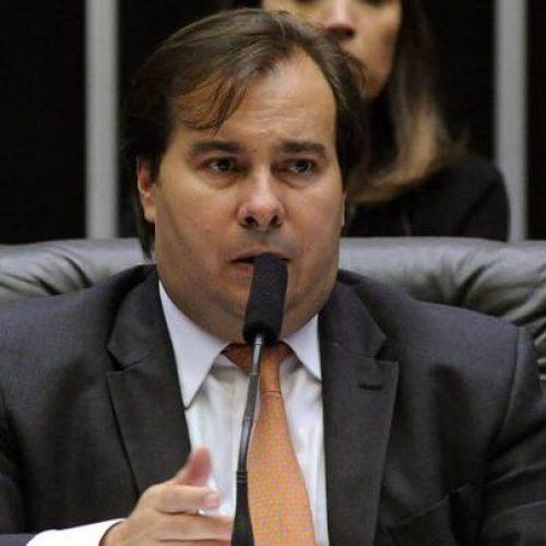 Rodrigo Maia considera disputar a Presidência e cai em contradição