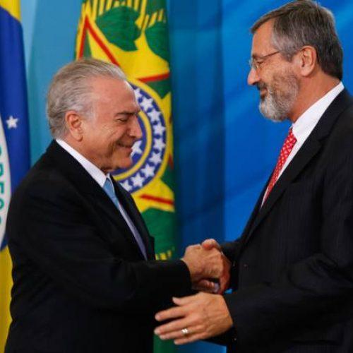 Temer reúne-se com ministros para discutir saída após veto a parte de indulto