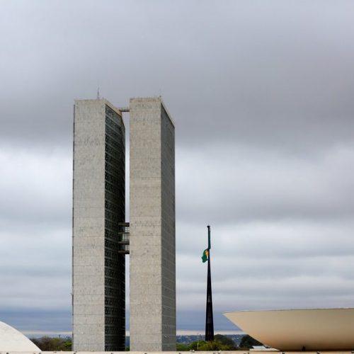 União, estados e municípios perdem R$ 9 bi com benefício a empresas