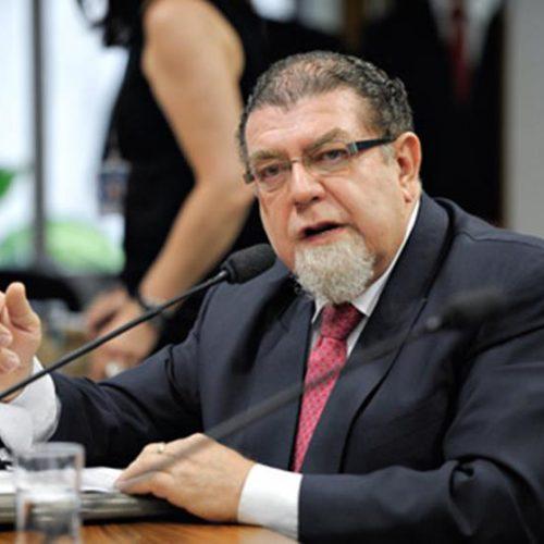 Venezuela ordena expulsão de embaixador brasileiro do país