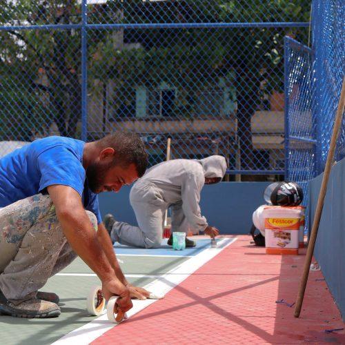 Prefeitura promove requalificação de 21 campos e quadras em Salvador