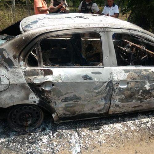 Corpo de taxista é encontrado em Antônio Cardoso; carro foi carbonizado