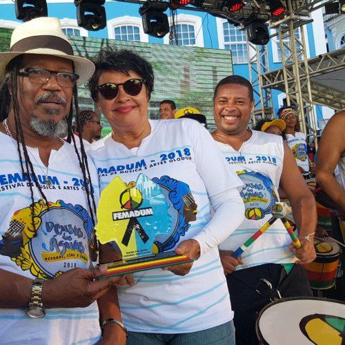 FEMADUM: Olodum homenageia Luiza Maia por título de patrimônio imaterial da Bahia