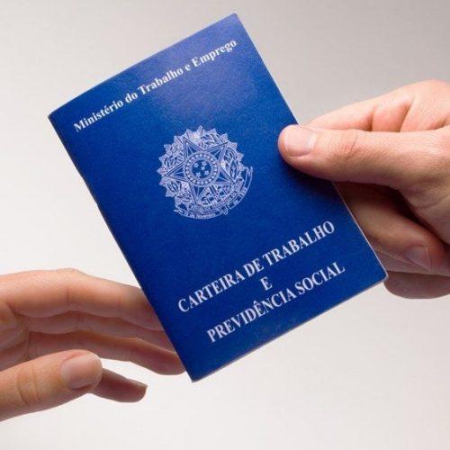 Ministério emitiu quase 5 milhões de carteiras de trabalho em 2017