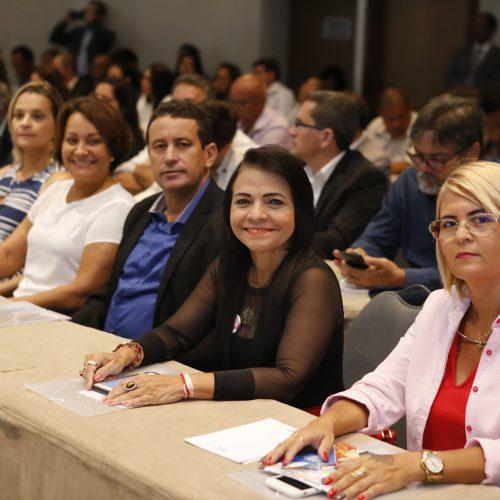 Lauro de Freitas participa do lançamento do Programa Fortalecer Municípios