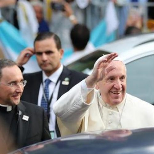 """Papa Francisco se despede do Chile desejando """"união e paz"""""""
