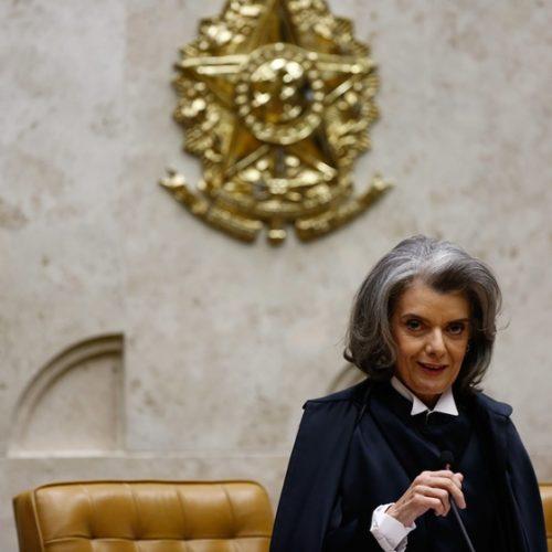 Revisar regra de prisão por Lula seria apequenar STF, diz Cármen Lúcia