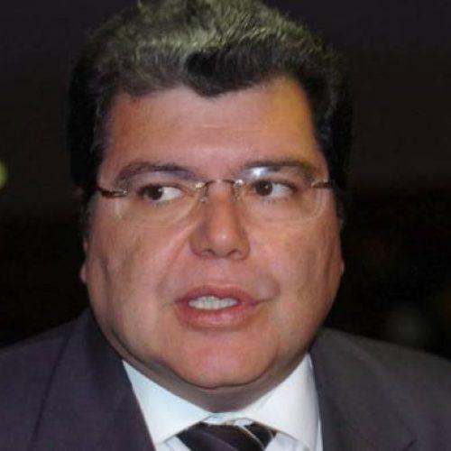 Ministro Sarney Filho apresenta balanço da pasta ao presidente Temer