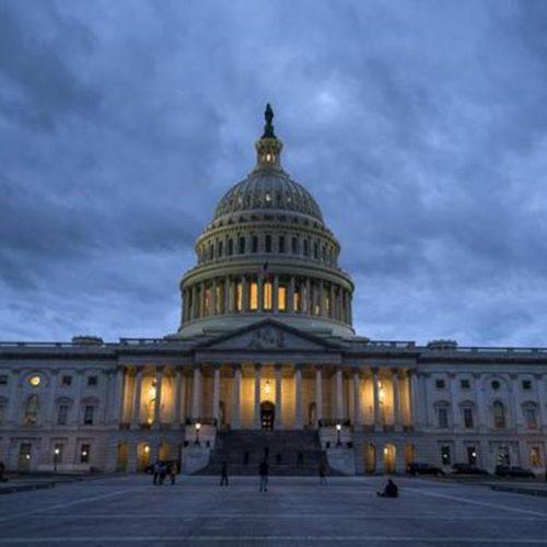 Senado não chega a acordo e governo dos EUA segue paralisado