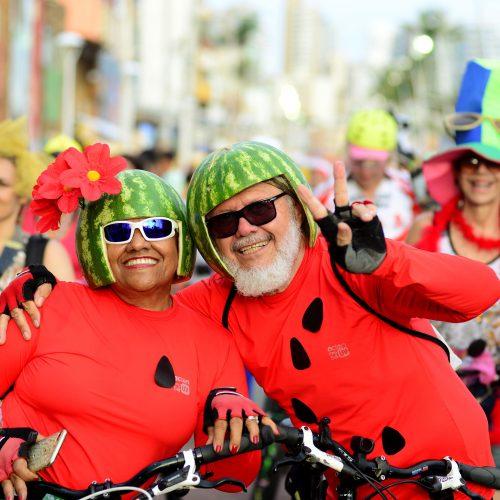 Fuzuê abre pré-Carnaval de Salvador e arrasta multidão para a Barra