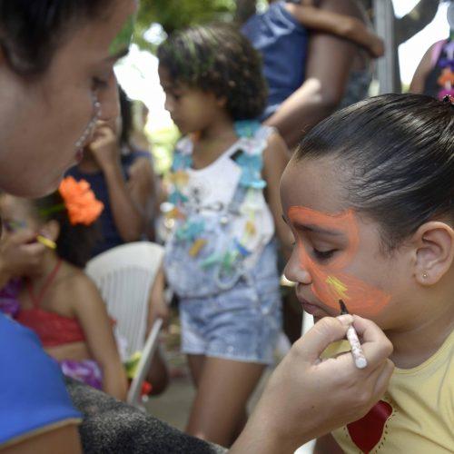 Bailinhos fazem Carnaval da criançada nos bairros de Salvador