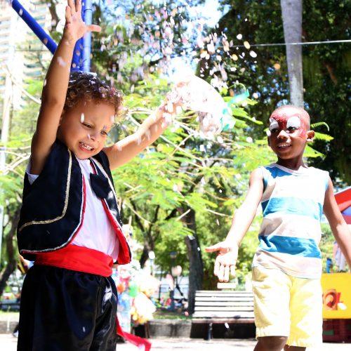 Baile infantil ajuda a formar foliões do futuro em Salvador