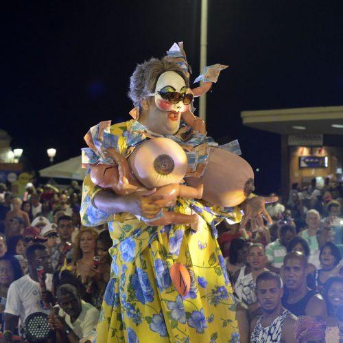 Carnaval de Salvador: Fantasias exuberantes e criativas dominam Concurso de Fantasia LGBT
