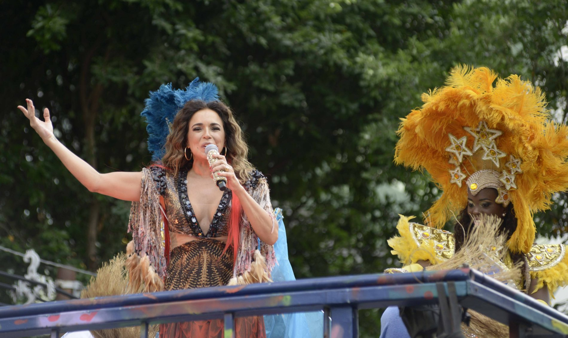 Daniela Mercury elege o samba para presidente em Salvador