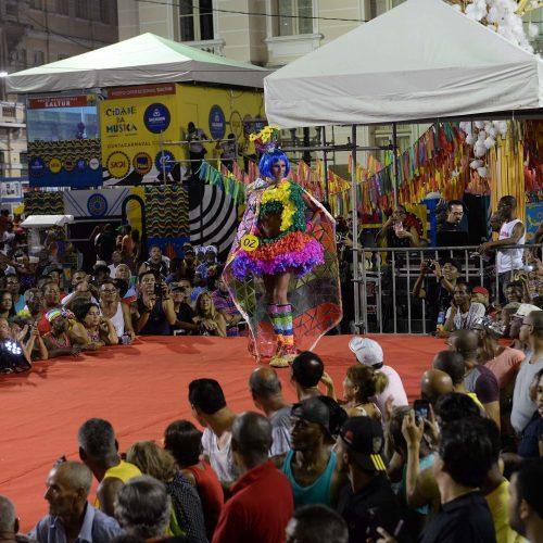 """É HOJE: Concurso de Fantasia LGBT vai """"lacrar"""" Carnaval em Salvador"""