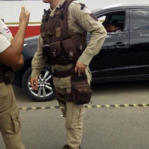 Casal é executado dentro de carro em Feira de Santana