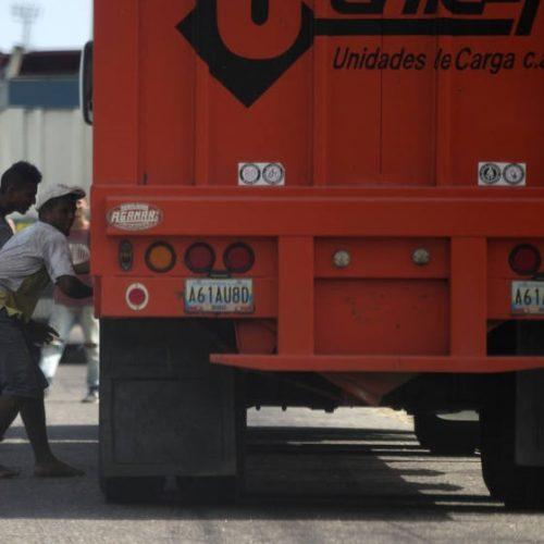 Escassez de alimentos provoca 5 vezes mais saques na Venezuela