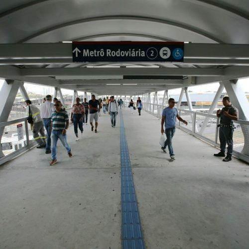 Rui inaugura conjunto de passarelas da região da Rodoviária de Salvador