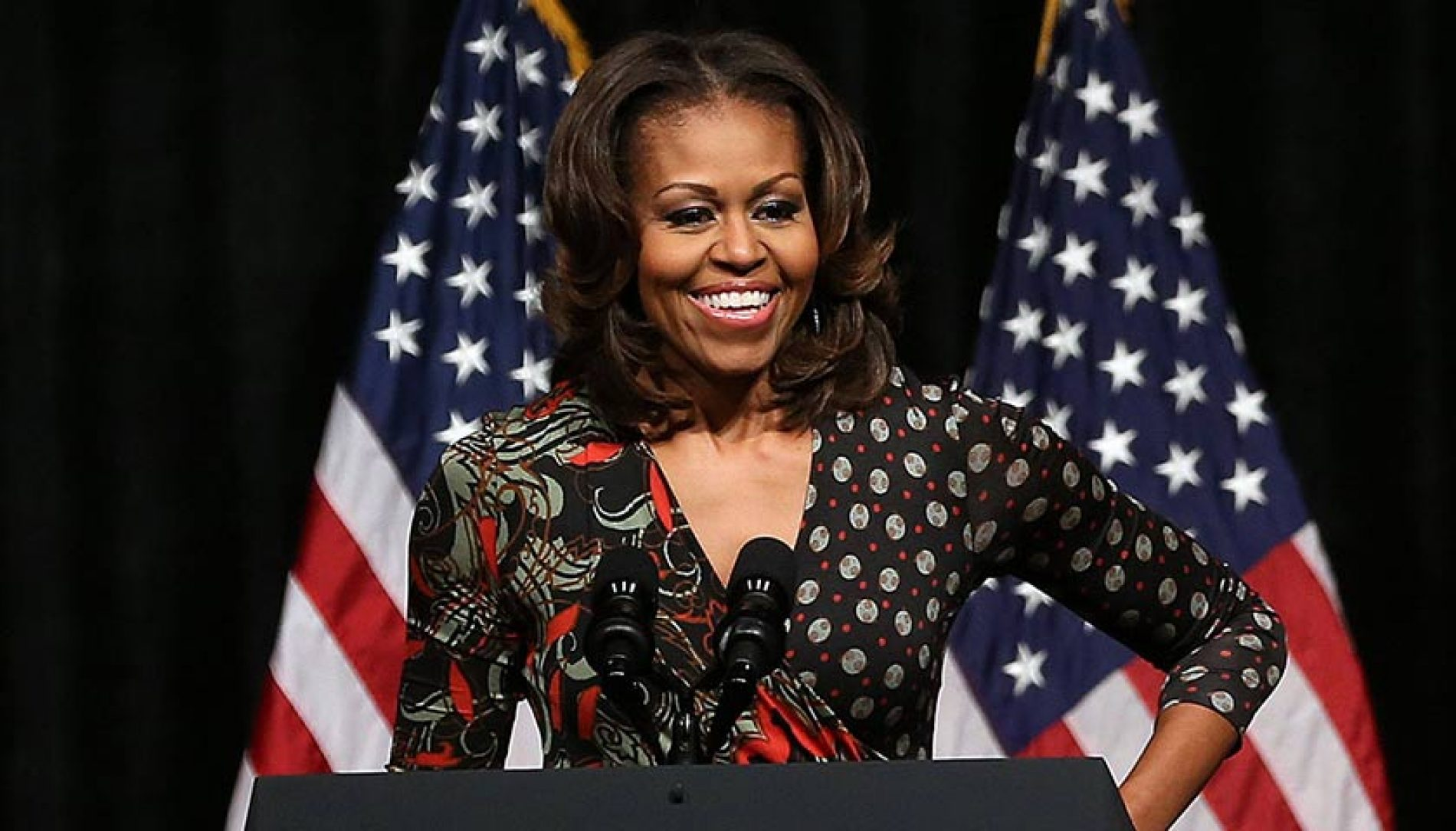 Garotinha se veste como Michelle Obama e recebe nota A+ via Twitter