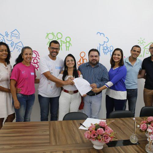 Lauro de Freitas renova parceria com Aldeias SOS e garante atendimento à criança