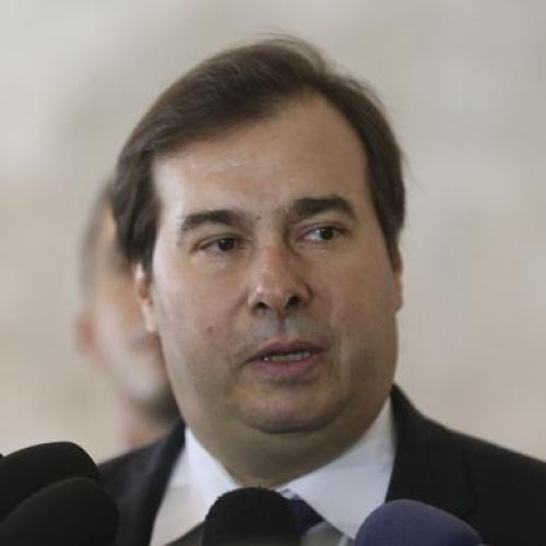 Maia cria comissão para analisar projeto sobre privatização da Eletrobras