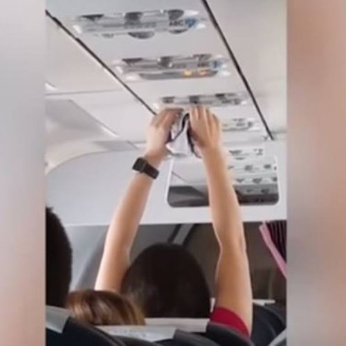 Passageira é filmada secando a calcinha no ar-condicionado do avião; ASSISTA