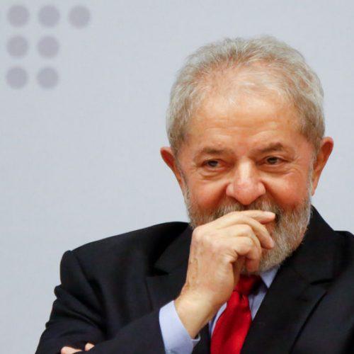 Polícia Federal devolve passaporte de Lula