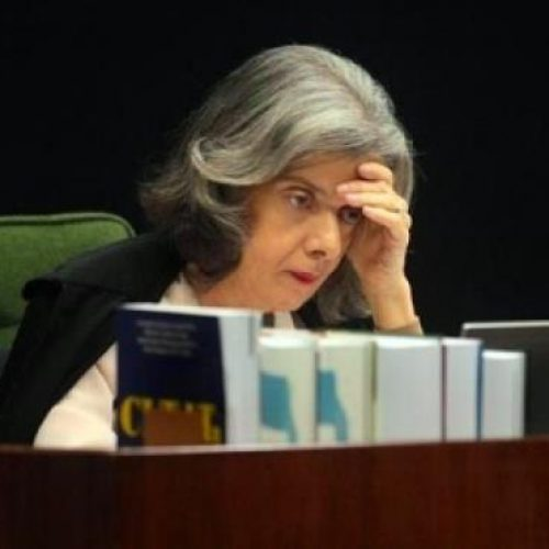 Pressão para julgar habeas corpus de Lula faz Cármen Lúcia se isolar no STF