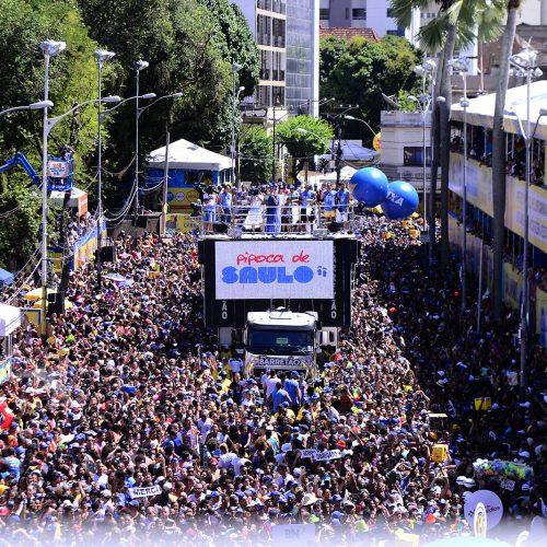 Pipoca de Saulo arrasta milhares de foliões no Carnaval