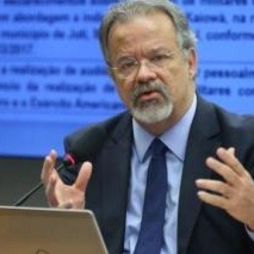 Segurança no Brasil está falida, diz ministro da Defesa