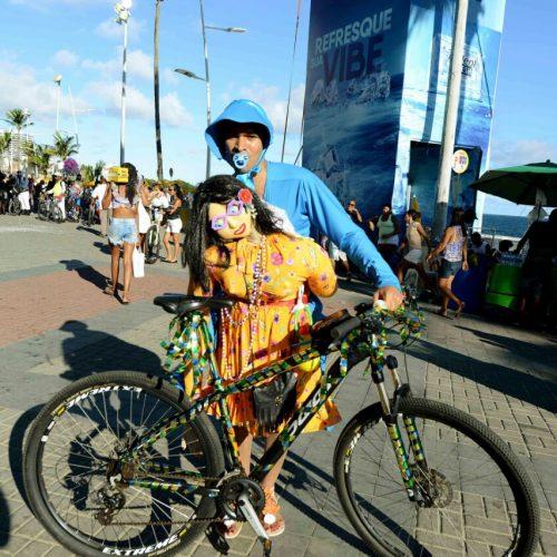 Terceira edição do Bike Fuzuê anima abertura do pré-Carnaval de Salvador