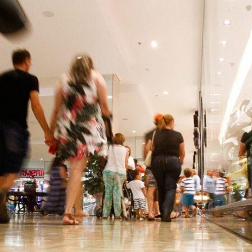 Vendas no varejo crescem 2% em 2017, aponta o IBGE