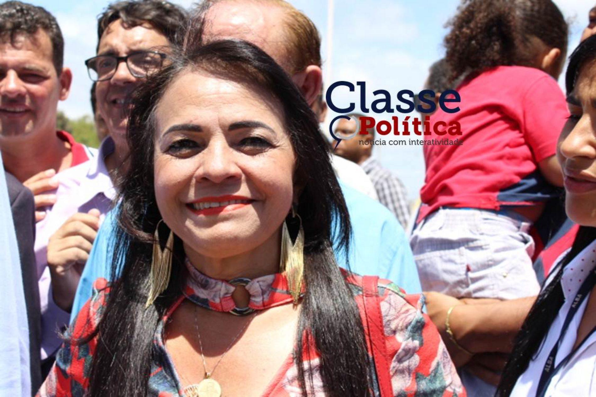 Moema comemora inauguração de viaduto em Lauro de Freitas; ASSISTA