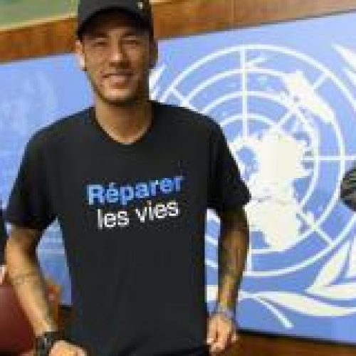 Cirurgia de Neymar decorreu perfeitamente, diz CBF