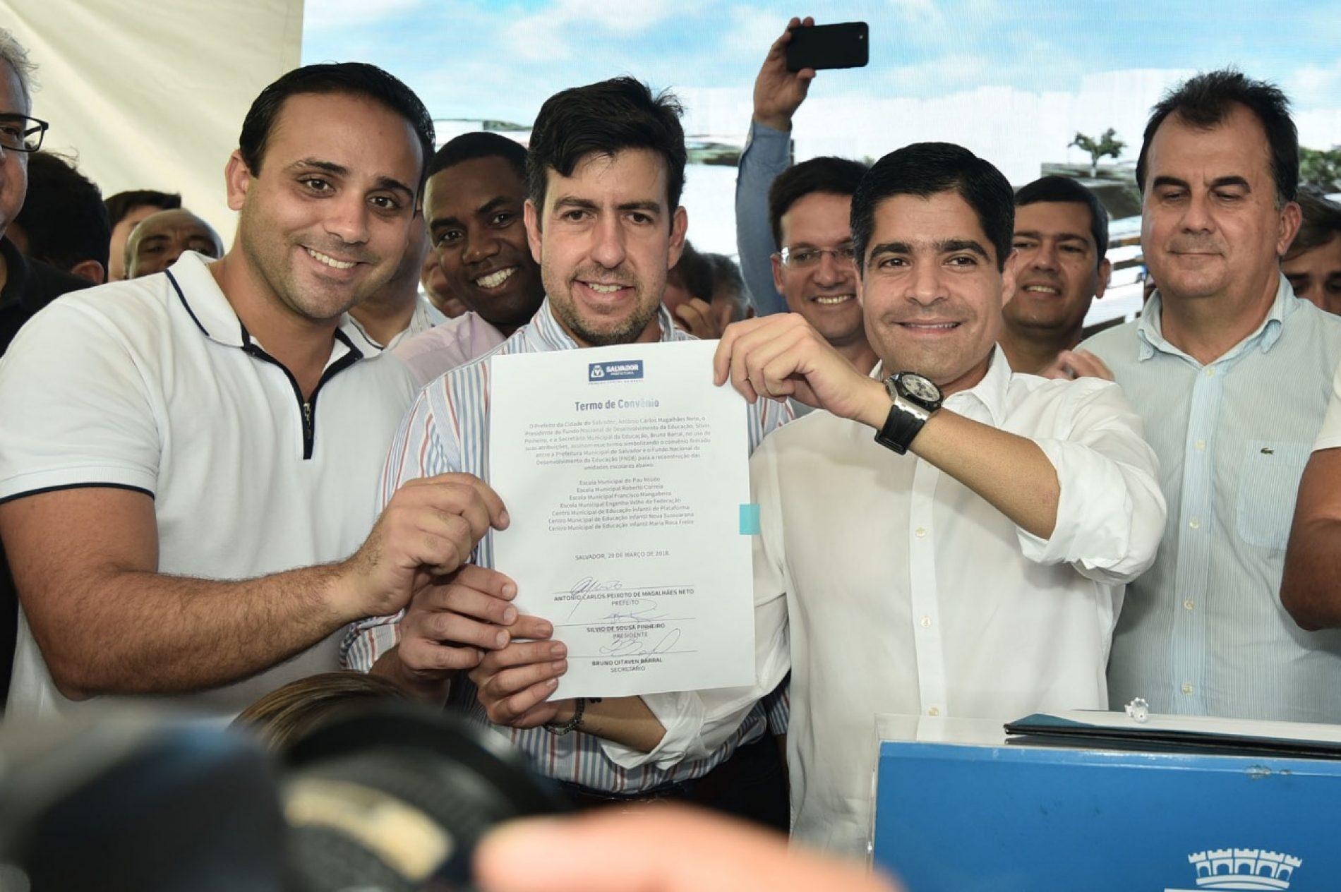 Educação em Salvador recebe R$ 41,8 milhões após compromisso assinado hoje