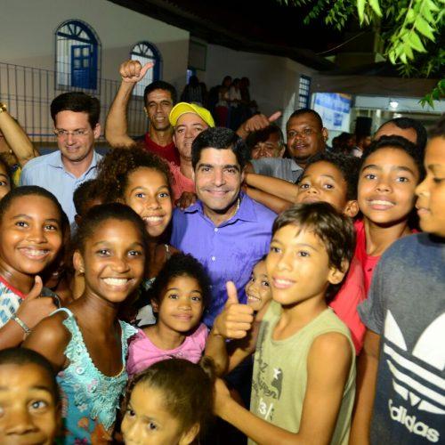 Moradores de São Cristóvão ganham CRAS e nova praça