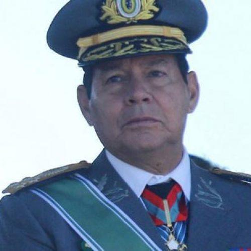 General Mourão critica STF por dar salvo-conduto a Lula