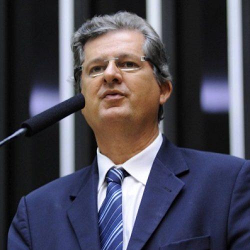 Jutahy mantém candidatura ao Senado e defende nome de Gualberto ao governo