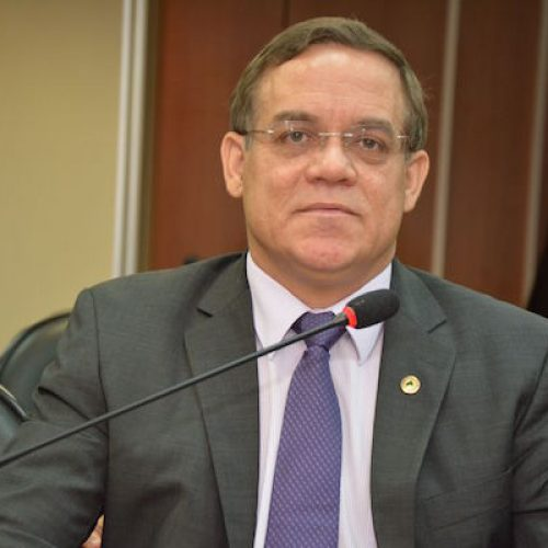 Líder da Oposição diz que governo pratica pragmatismo político ao vetar projeto de lei