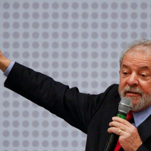 Lula diz em entrevista que vai brigar até o fim para ser candidato